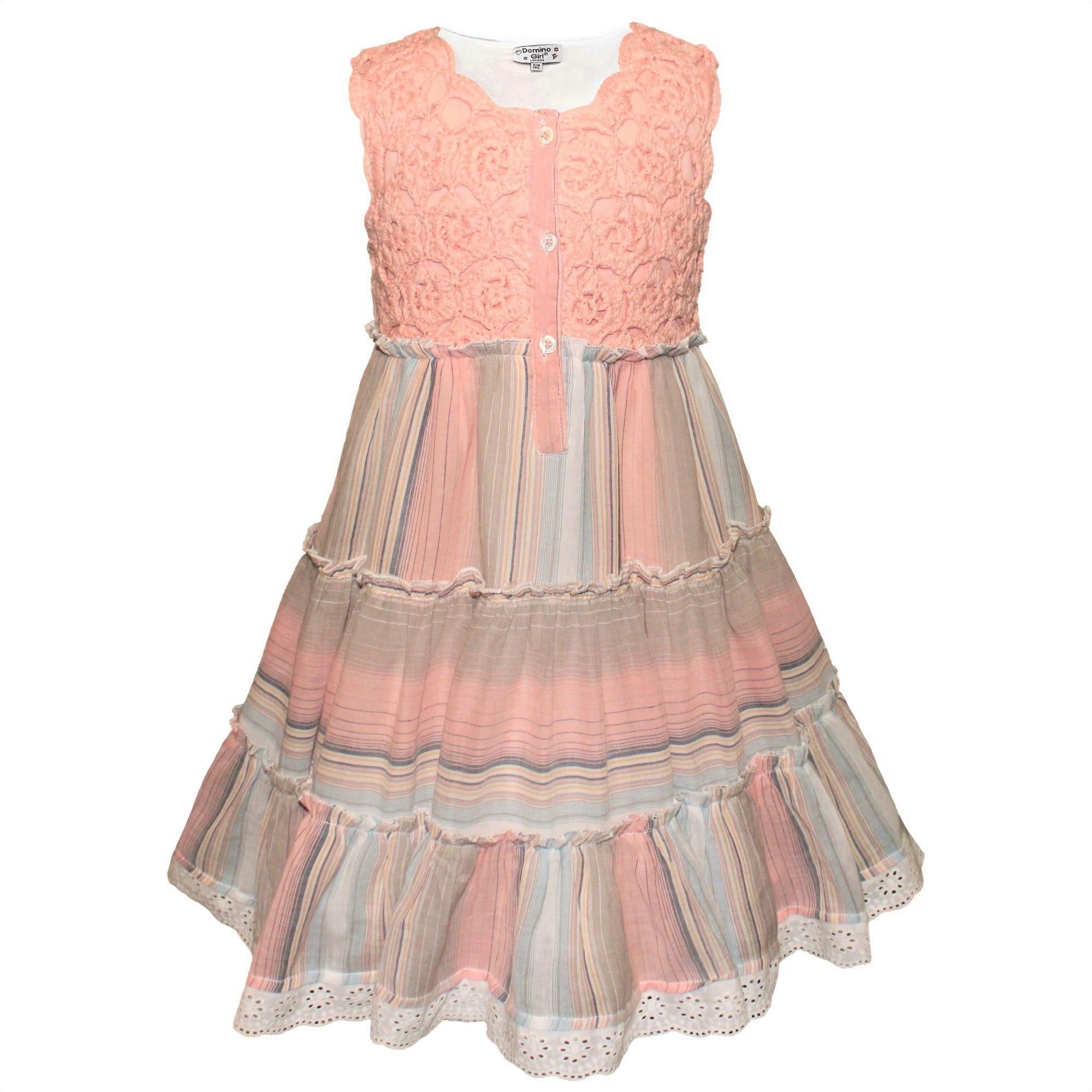 Kleid mit Streifen und Häkelspitze